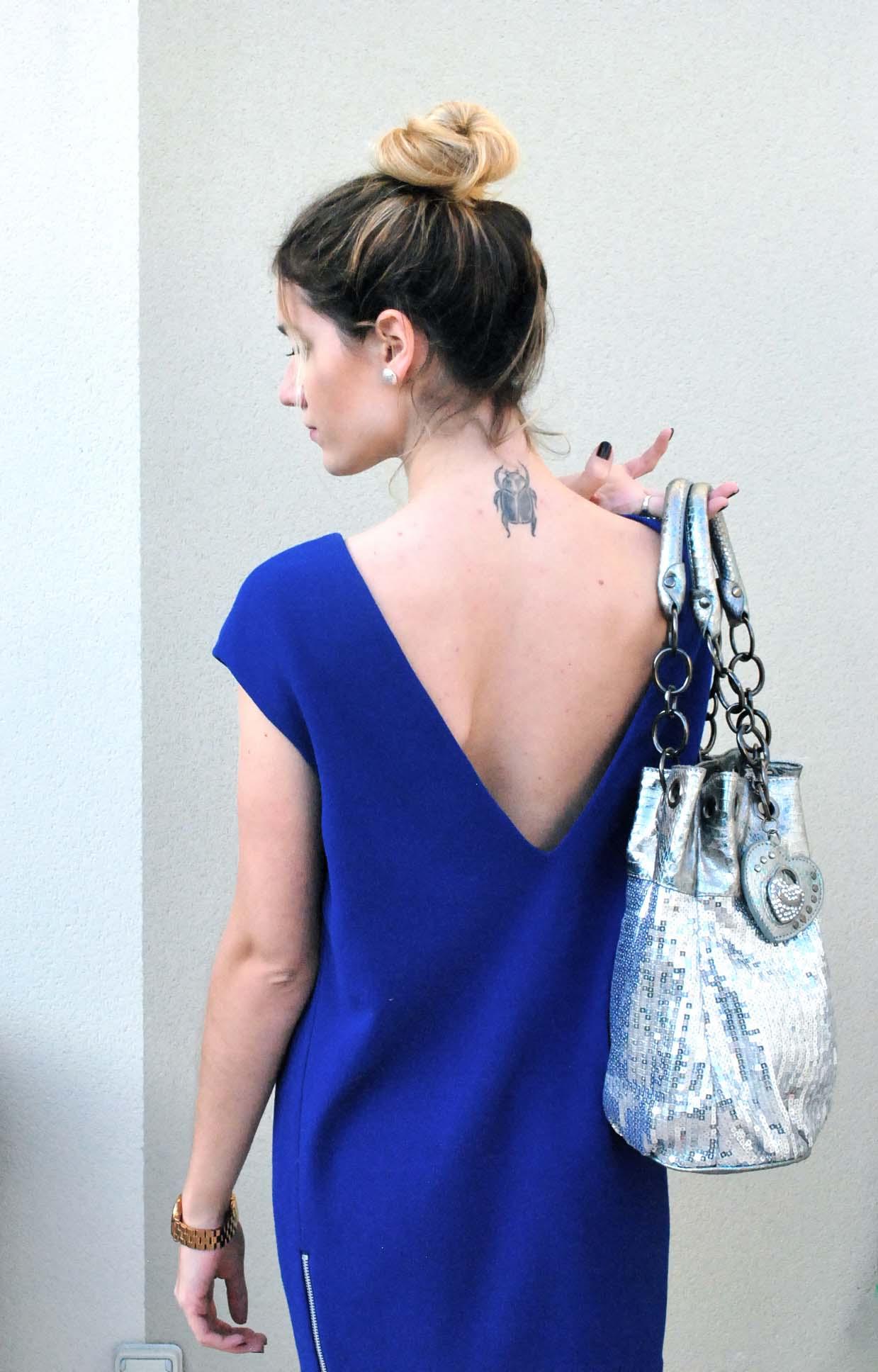 robe bleu dos nus